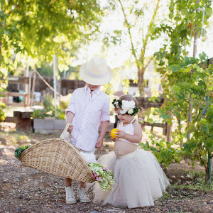mischievous boy and sweet flower girl | the love designed life