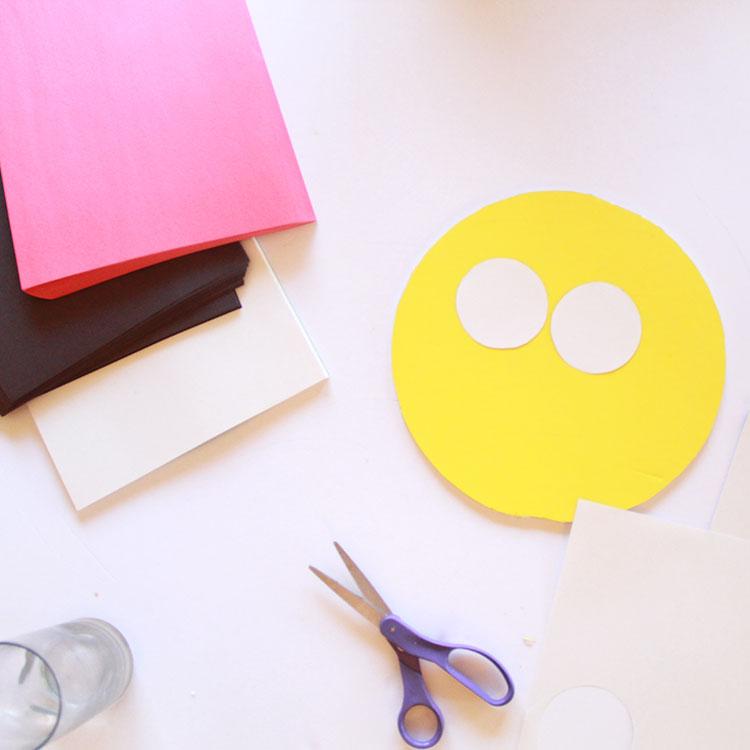 DIY emoji costumes   the love designed life