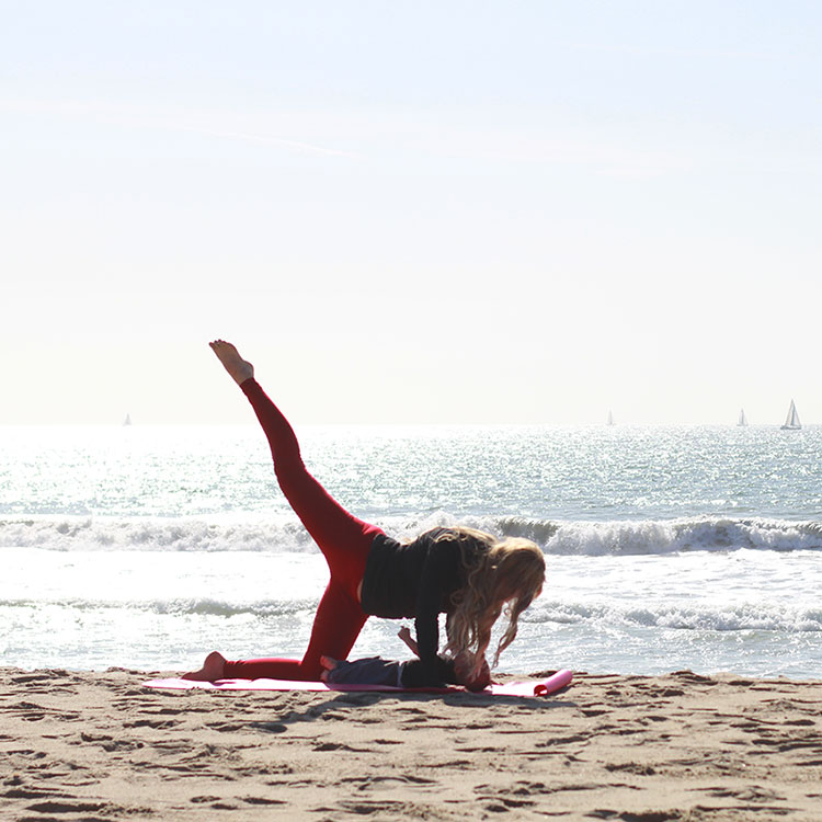 rainbow kicks | m and m pilates on the beach | the love designed life