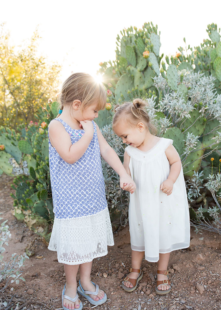 cousins and friends. family photos in the desert // photo by bhansen photography | the love designed life