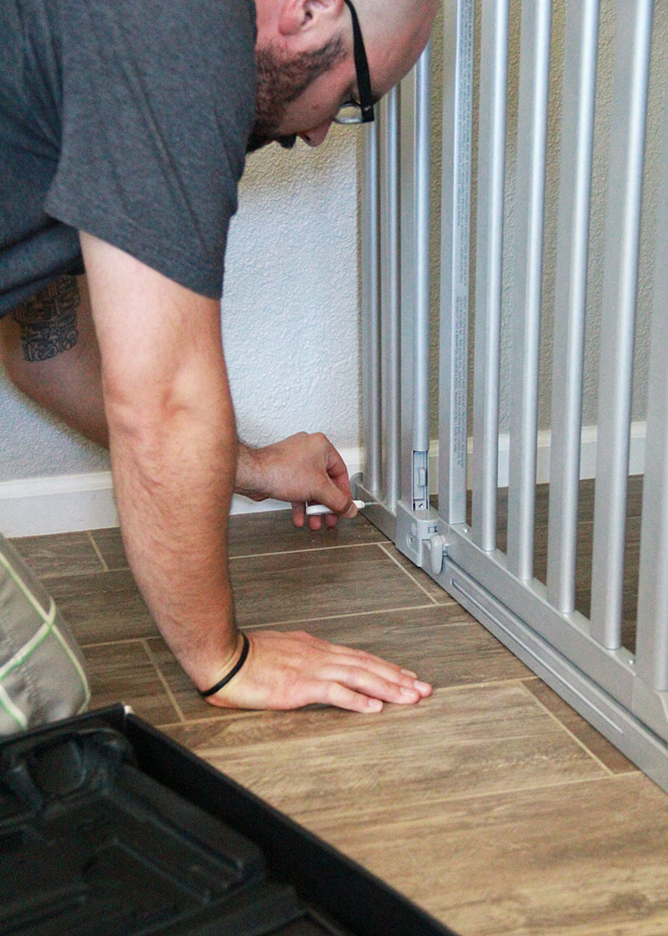 super easy munchkin baby gate installation! | the love designed life