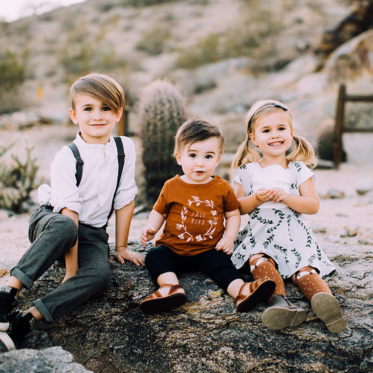 three peas in a pod | sibling love for a hipster fall family photoshoot | thelovedesignedlife.com