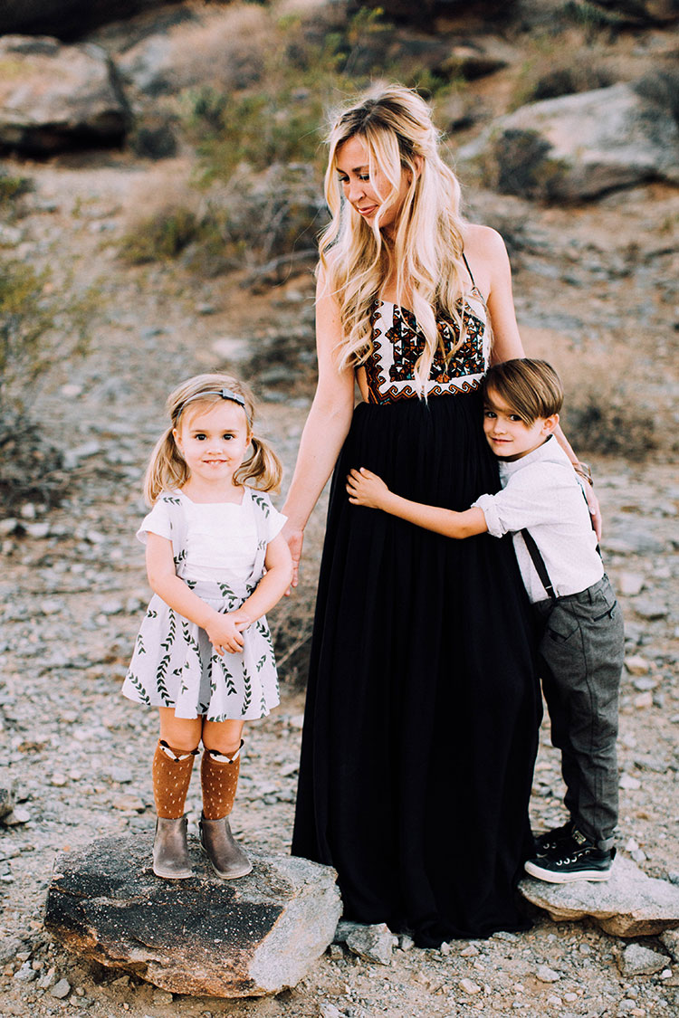 mama bear + cubs | desert fall family photos | thelovedesignedlife.com