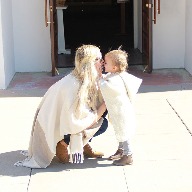 mother / daughter love styled | thelovedesignedlife.com