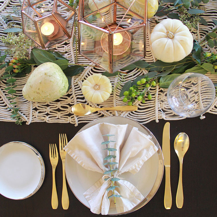 a warm and festive thanksgiving tablescape   more ideas on thelovedesignedlife.com