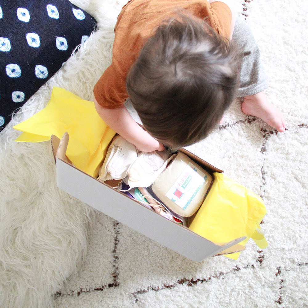 opening our mom 'n tot box today! | thelovedesignedlife.com