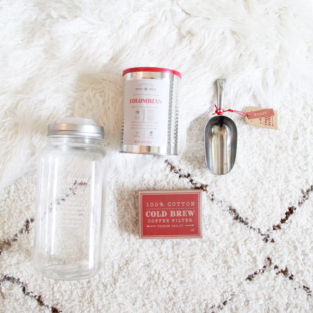 cold brew coffee kit from thoughtfully gifts | thelovedesigenedlife.com