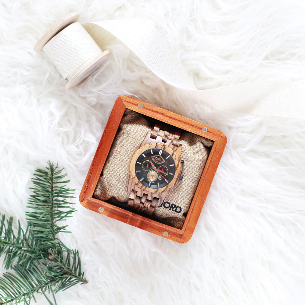 this JORD wood watch is going to make a great gift for my husband this year! | thelovedesignedlife.com