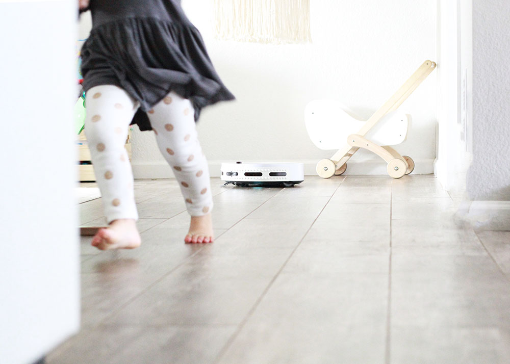 mom win: I'm not cleaning the floor right now   thelovedesignedlife.com