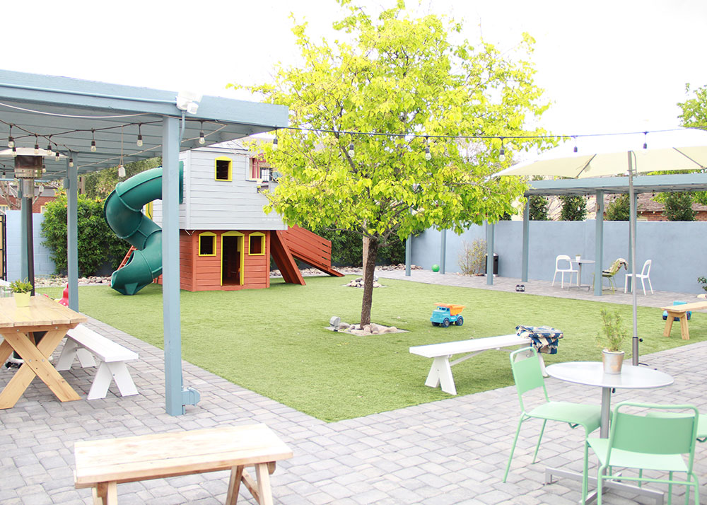 the backyard at the teapot on 5th is super kid friendly. can't wait to come back with mine! | thelovedesignedlife.com