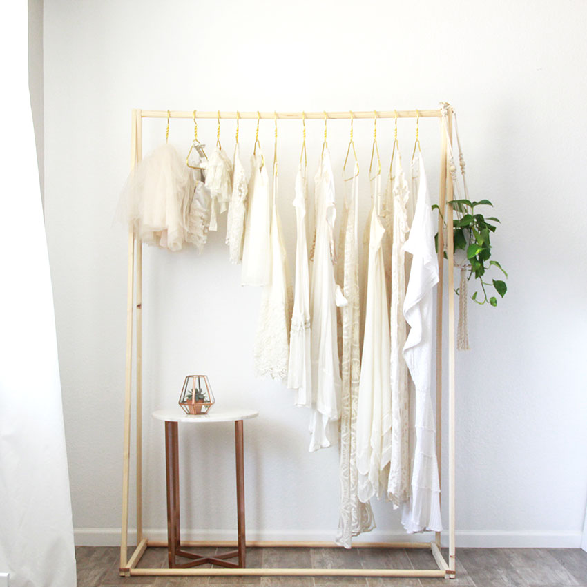 dreamy wardrobe provided by stylist paige rangel of thelovedesignedlife.com for the @motherandchildco project