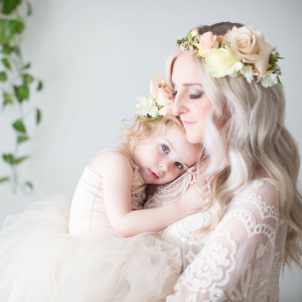 the stunning @laurenbowyer in her @motherandchildco session | thelovedesignedlife.com