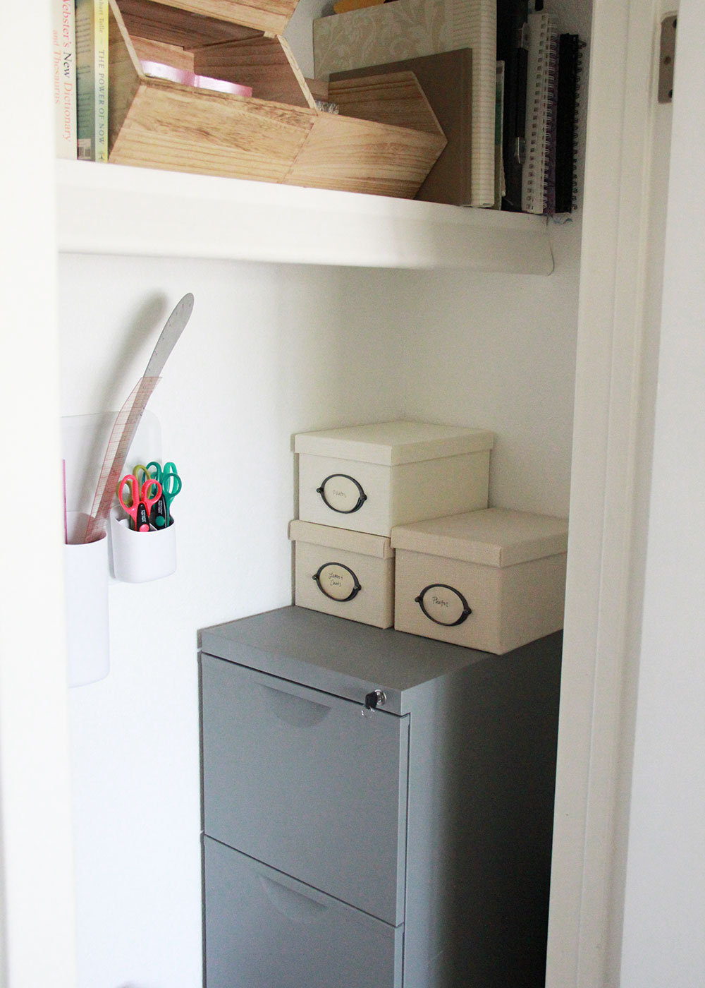 an organized and clean closet! | spring cleaning with thelovedesignedlife.com