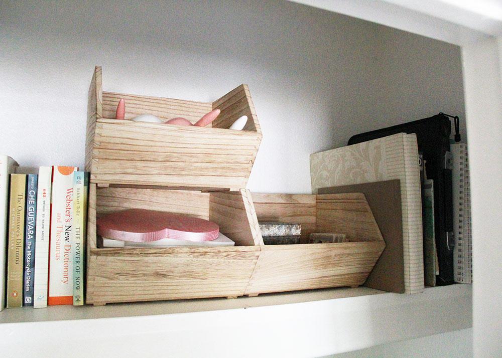 love these storage bins to help organize my office craft closet | thelovedesgiendlife.com