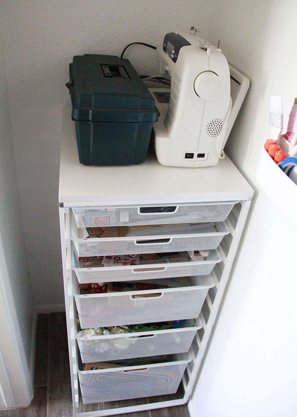 these elfa drawers from the container store fit in here perfectly! | spring cleaning on thelovedesignedlife.com