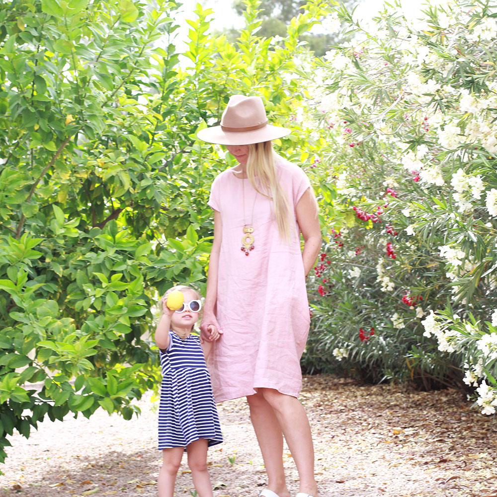 easy like summer style picking lemons in our new home's backyard | thelovedesignedlife.com