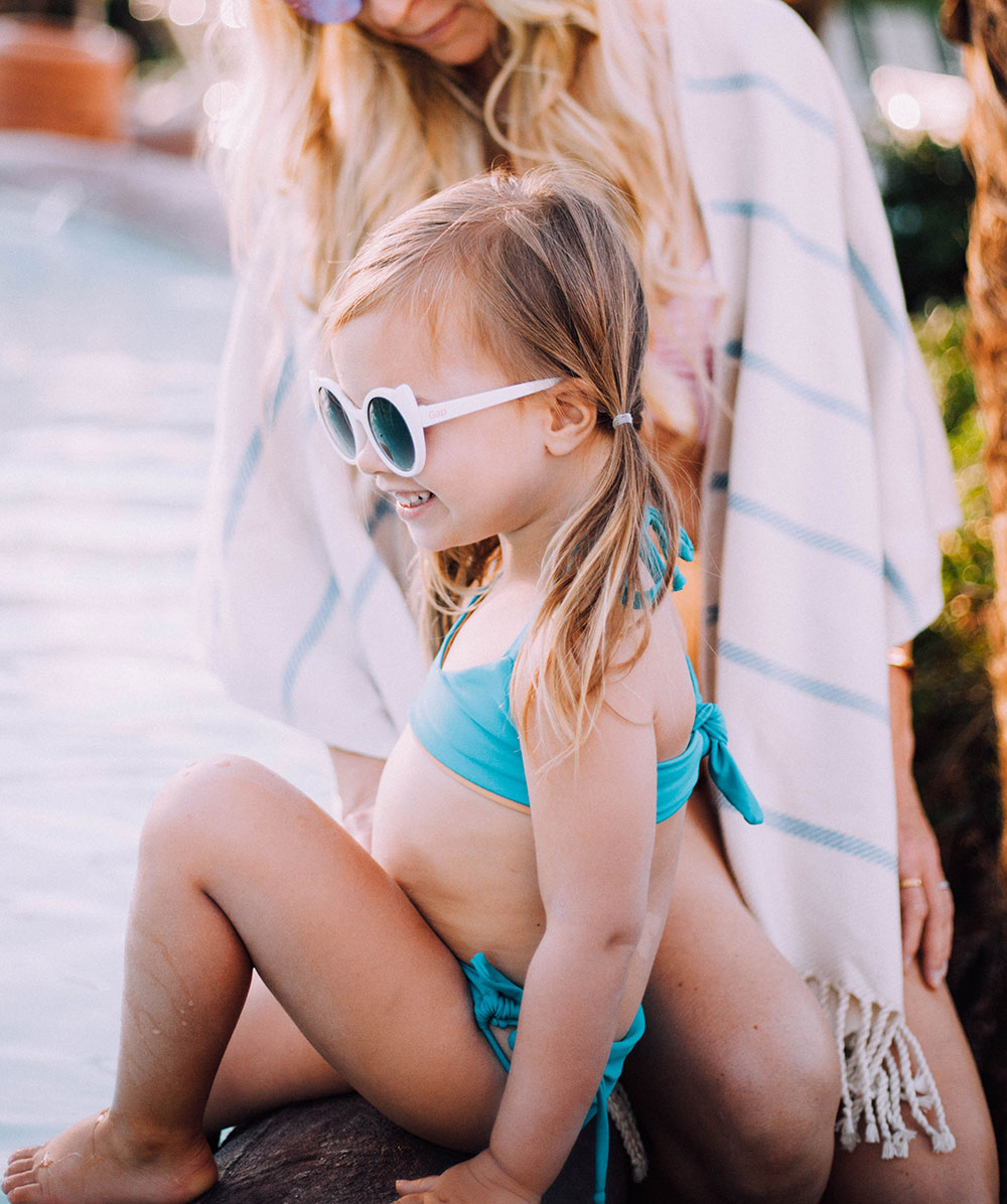 me + my girl checking out the lazy river at the pointe hilton squaw peak | thelovedesignedlife.com