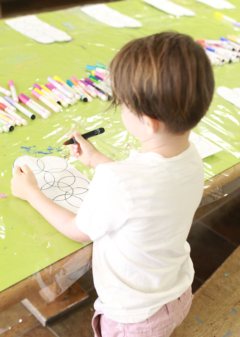 arts + crafts time at the coyote kids camp at the pointe hilton squaw peak resort | thelovedesignedlife.com
