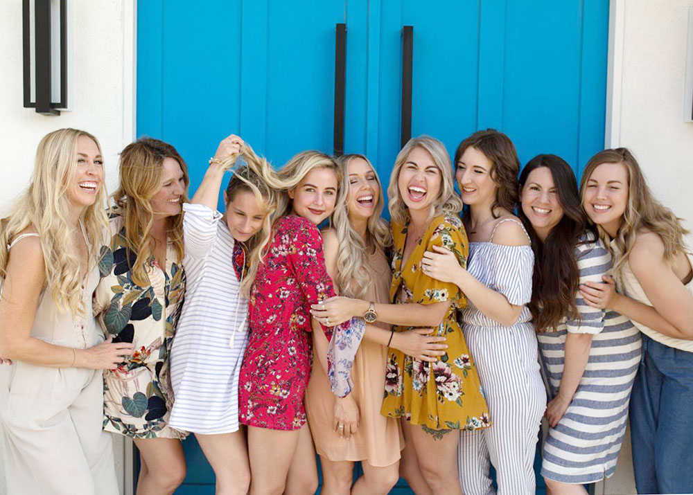 couldn't love this crew any more! the best girls trip in palm springs at this airbnb the weekend house | thelovedesignedlife.com