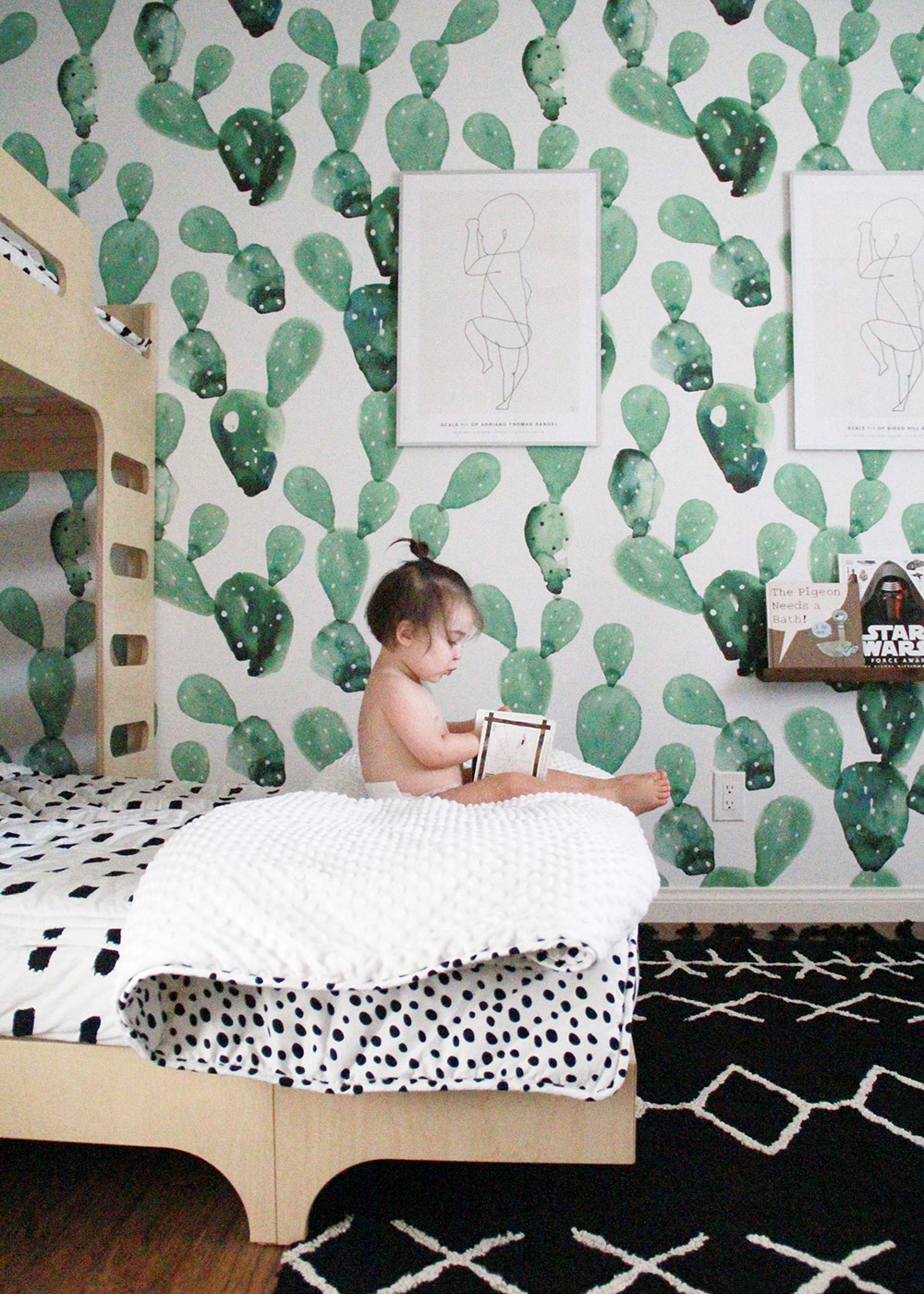 starting his love for reading young in this shared boys room | thelovedesignedlife.com
