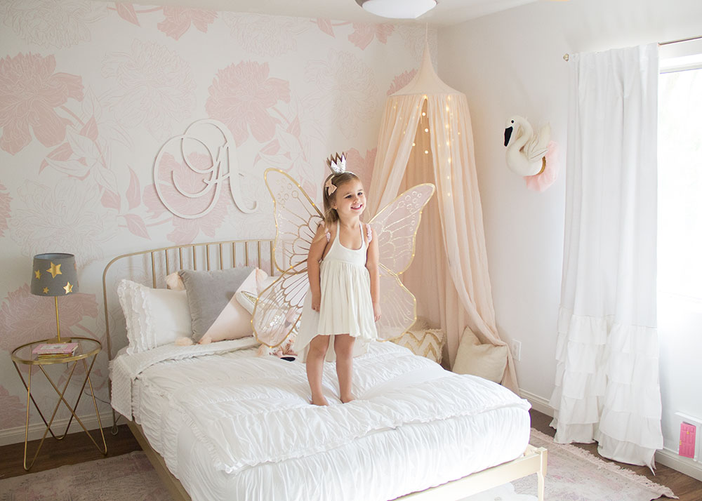 a pretty pink big girl room for this little fairy princess | thelovedesignedlife.com