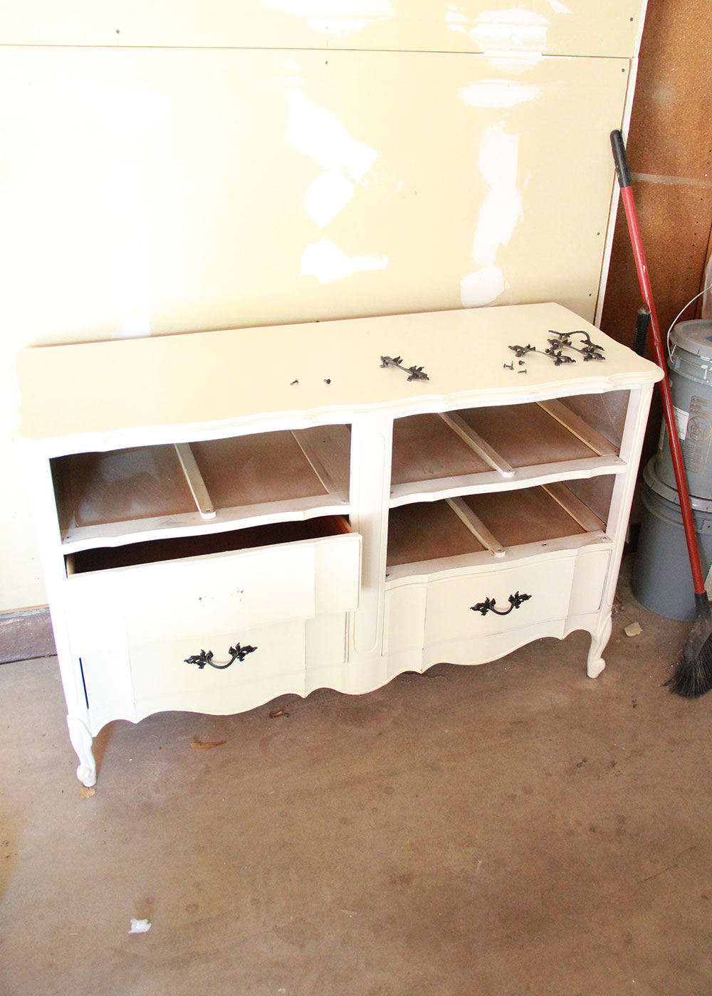 a french provencial dresser found for sale online | thelovedesignedlife.com