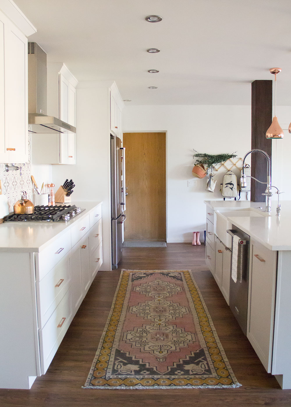 all the details of our modern boho bright white kitchen reveal are up! | thelovedesignedlife.com
