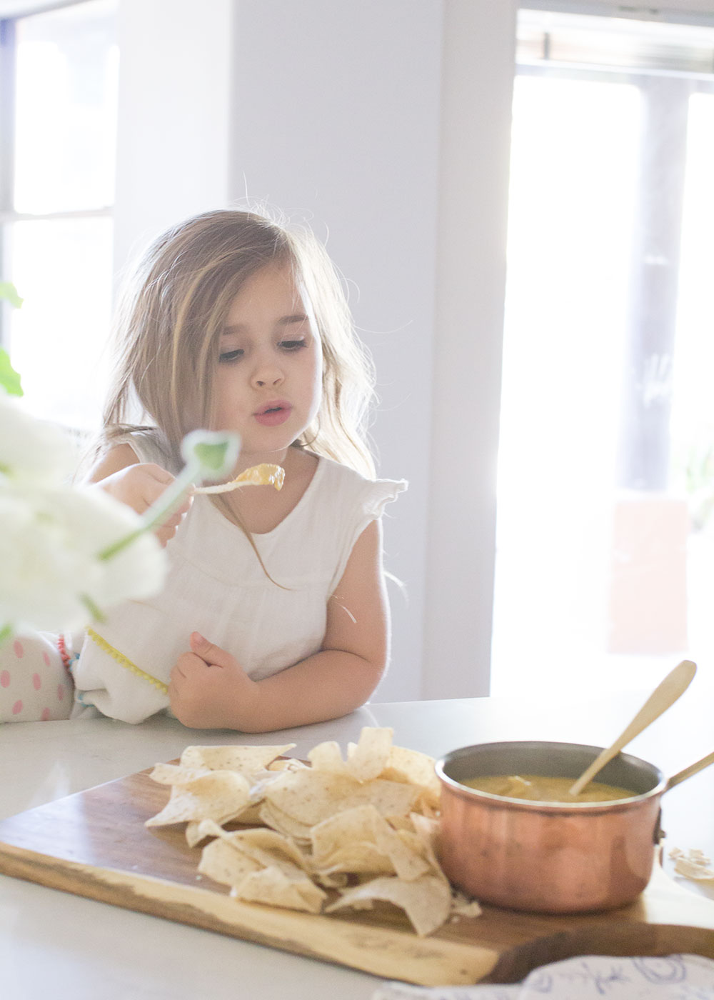 my clean vegan queso dip is even picky kid approved! | thelovedesignedlife.com #cleaneating #glutenfree #vegan