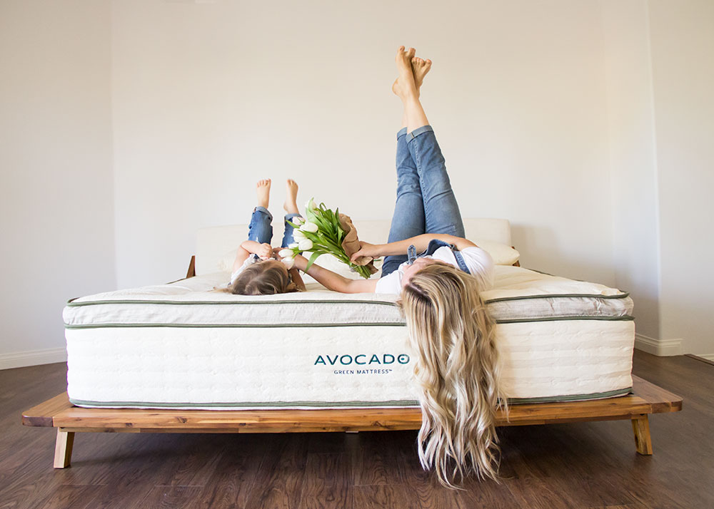 our avocado green mattress review | thelovedesignedlife.com #greenliving #naturalliving #avocadogreen