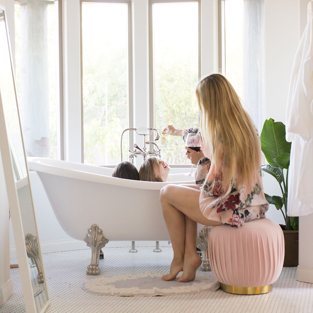 sharing our bedtime story with the company store | thelovedesignedlife.com #companycapture #bathtime #clawfoottub #bathtub
