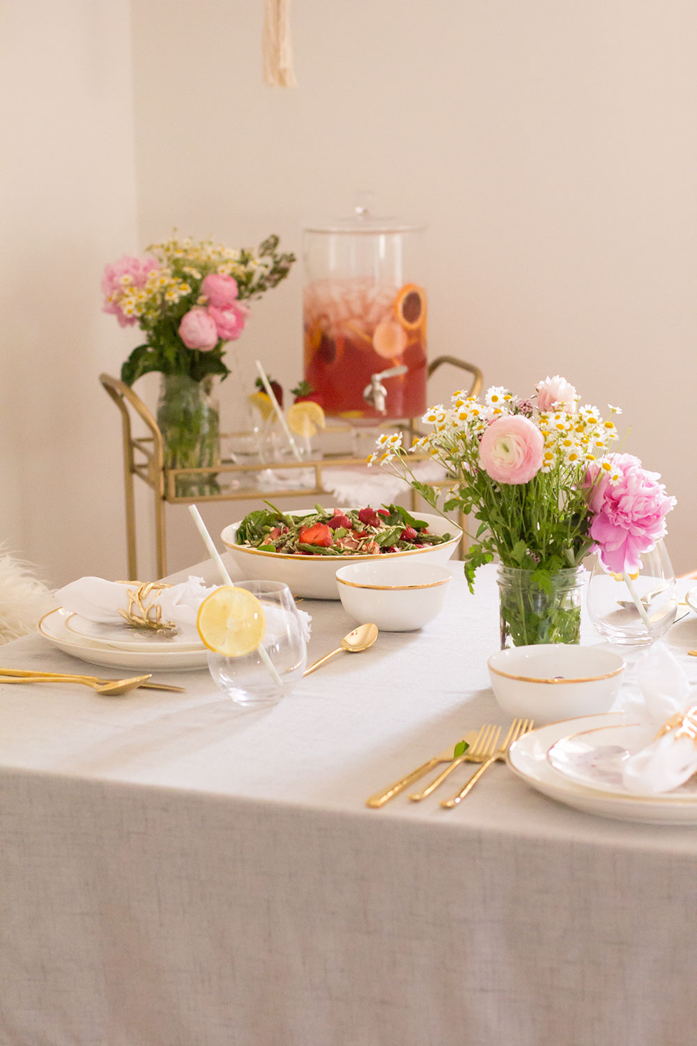 a pretty mama luncheon with friends | thelovedesignedlife.com