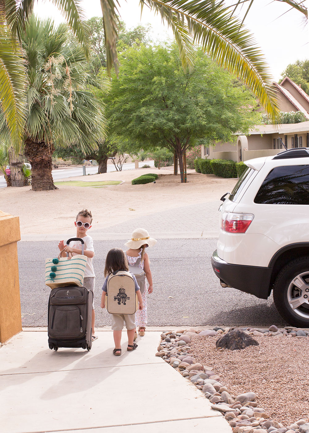 these kids are ready to get on the road | thelovedesingelife.com #summertime #roadtrip #firestonecompleteautocare