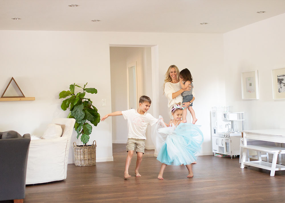 having a dance party with our onelink safe & sound smoke and carbon monoxide detector that also connects to our alexa! | thelovedesignedlife.com #ONELINKSTORY #smarthome #smokedetector #family