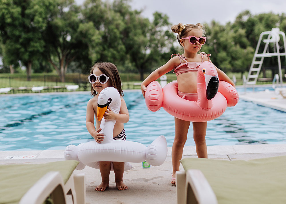 these two are ready for the pool with Blue Lizard Australian Sunscreen and their cute summer floaties | thelovedesingedlife.com #summertime #naturalsunscreen #bluelizardaustraliansunscreen