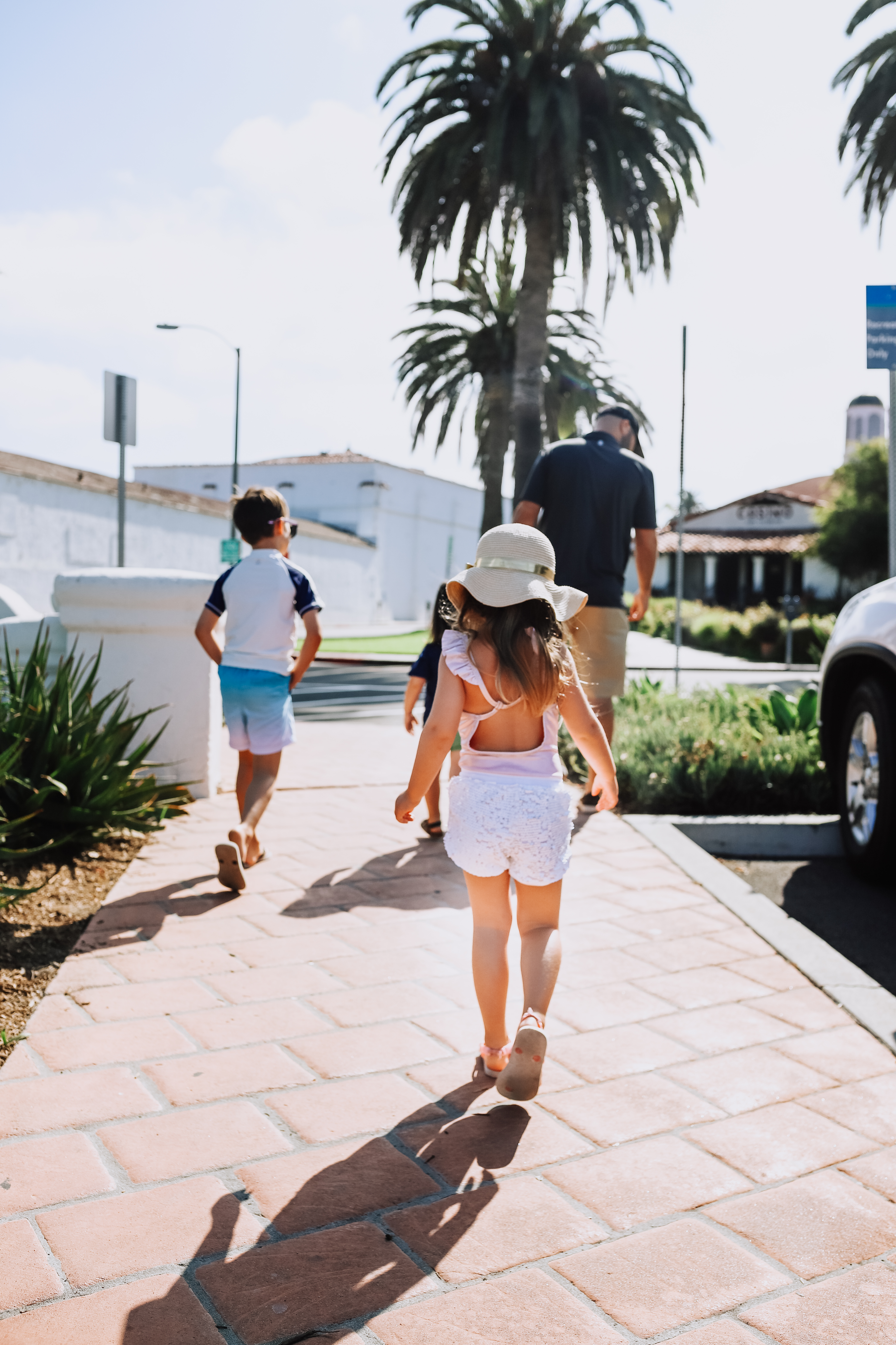 headed to breakfast in the beach city of san clemente, california | thelovedesignedlife.com #beachvacay #summertime #familytravel