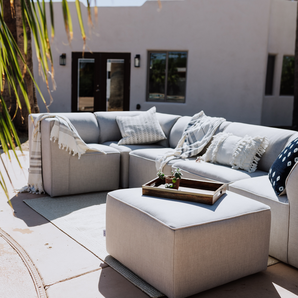 loving our new outdoor sectional! | thelovedesignedlife.com #outdoorfurniture #backyard