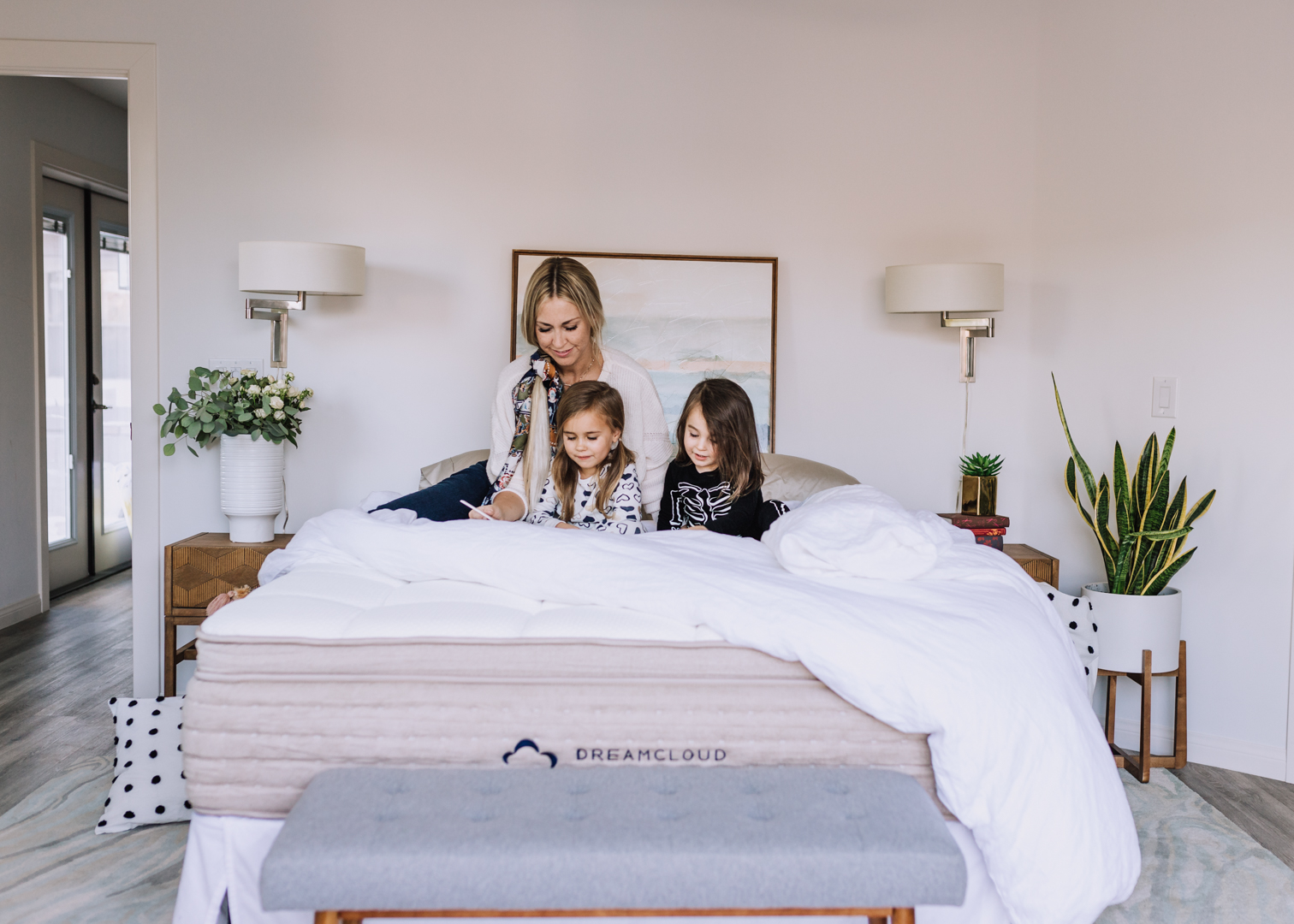 reading bedtime stories with my babies is one of our favorite rituals | thelovedesignedlife.com #mydreamcloud #readwithdreamcloud #bedtimestories #bedroomdecor