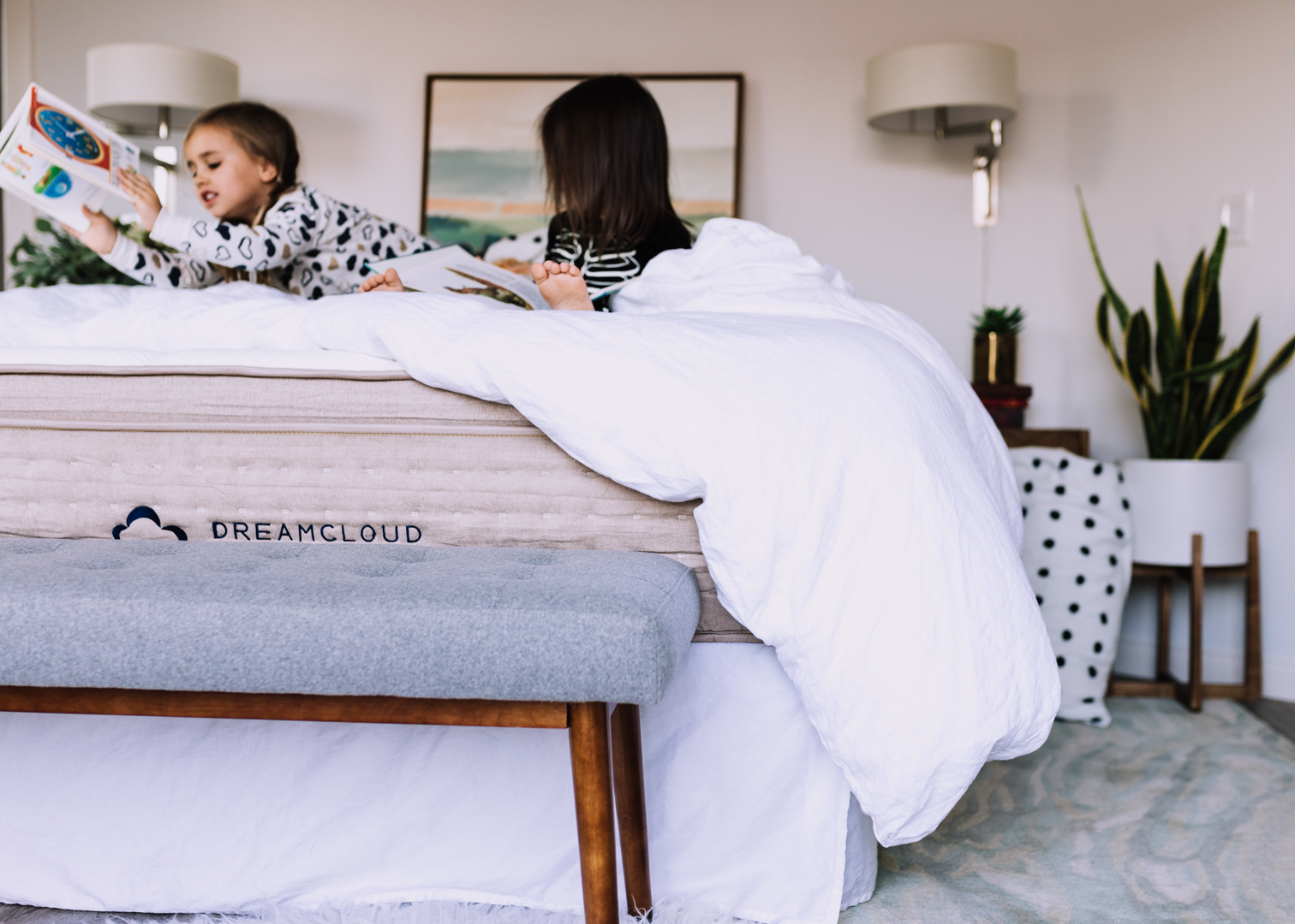dream cloud mattress and the pajama program | thelovedesignedlife.com #softestmatress #readwithdreamcloud