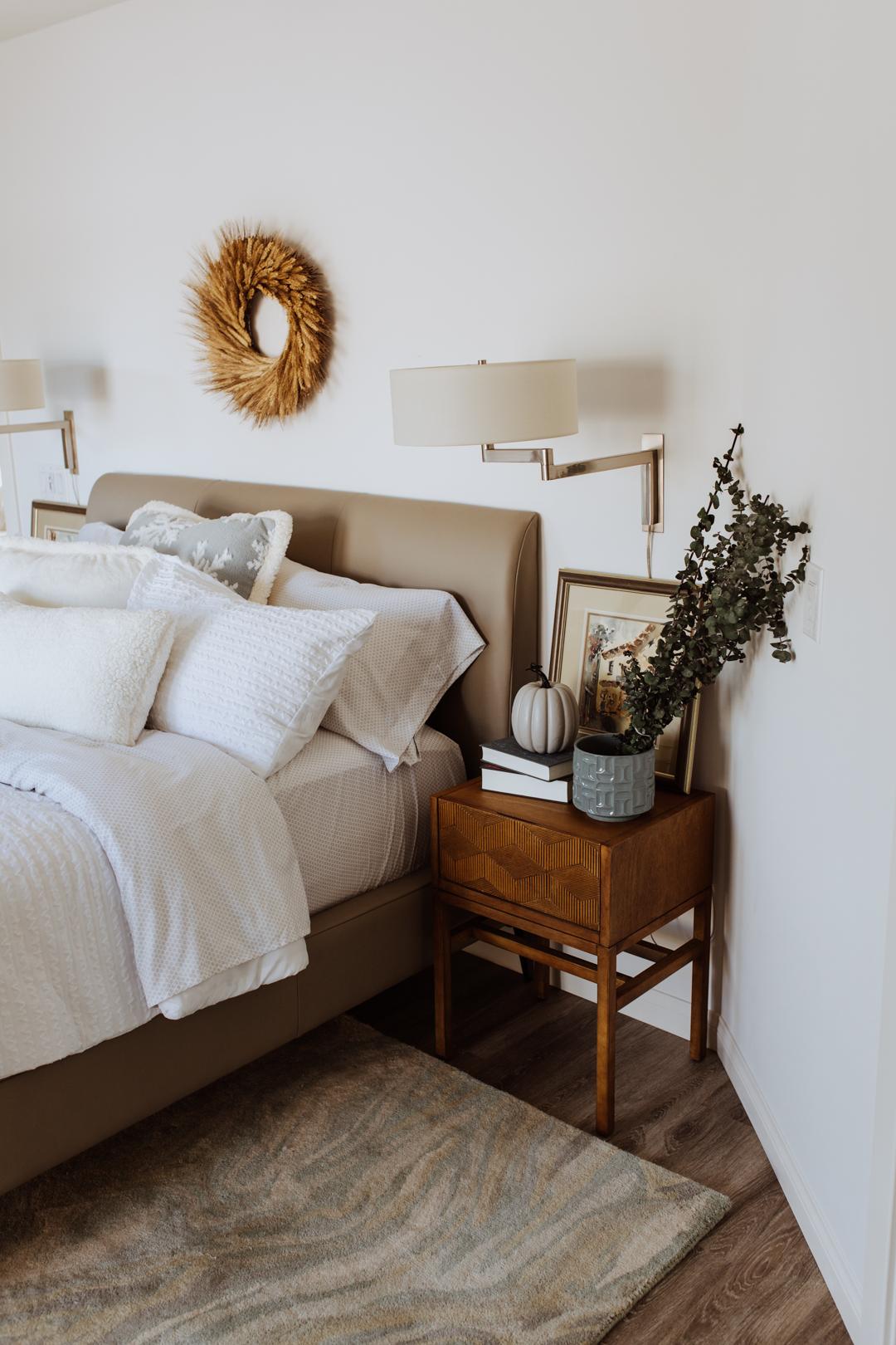 updating our guest room bedding for winter | thelovedesignedlife.com #winterbedding #KohlsFinds #guestroom #holidays @kohls #ad