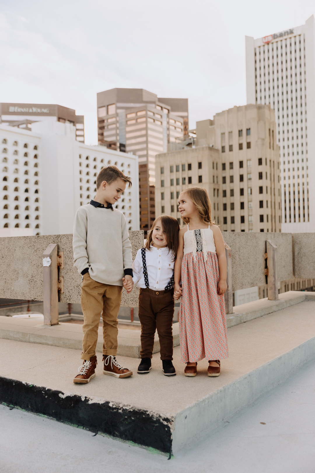 love these three to the moon! | thelovedesignedlie.com #familyphotos #siblings