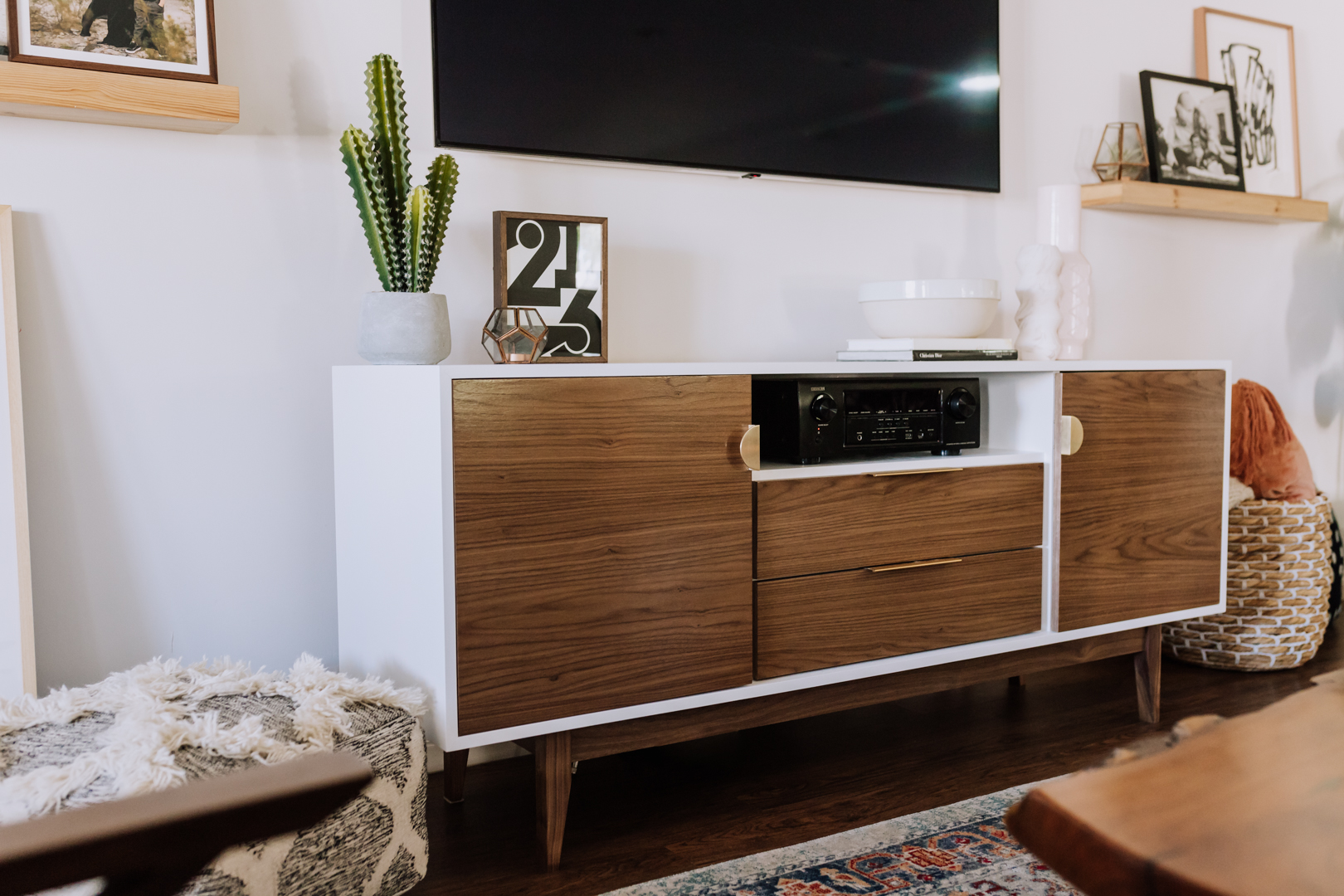 ove this new custom media cabinet from draftwood designs in phoenix, az | thelovedesignedlife.com #theldlhome #livingroom #customfurniture #mediacabinet #midcenturymodern