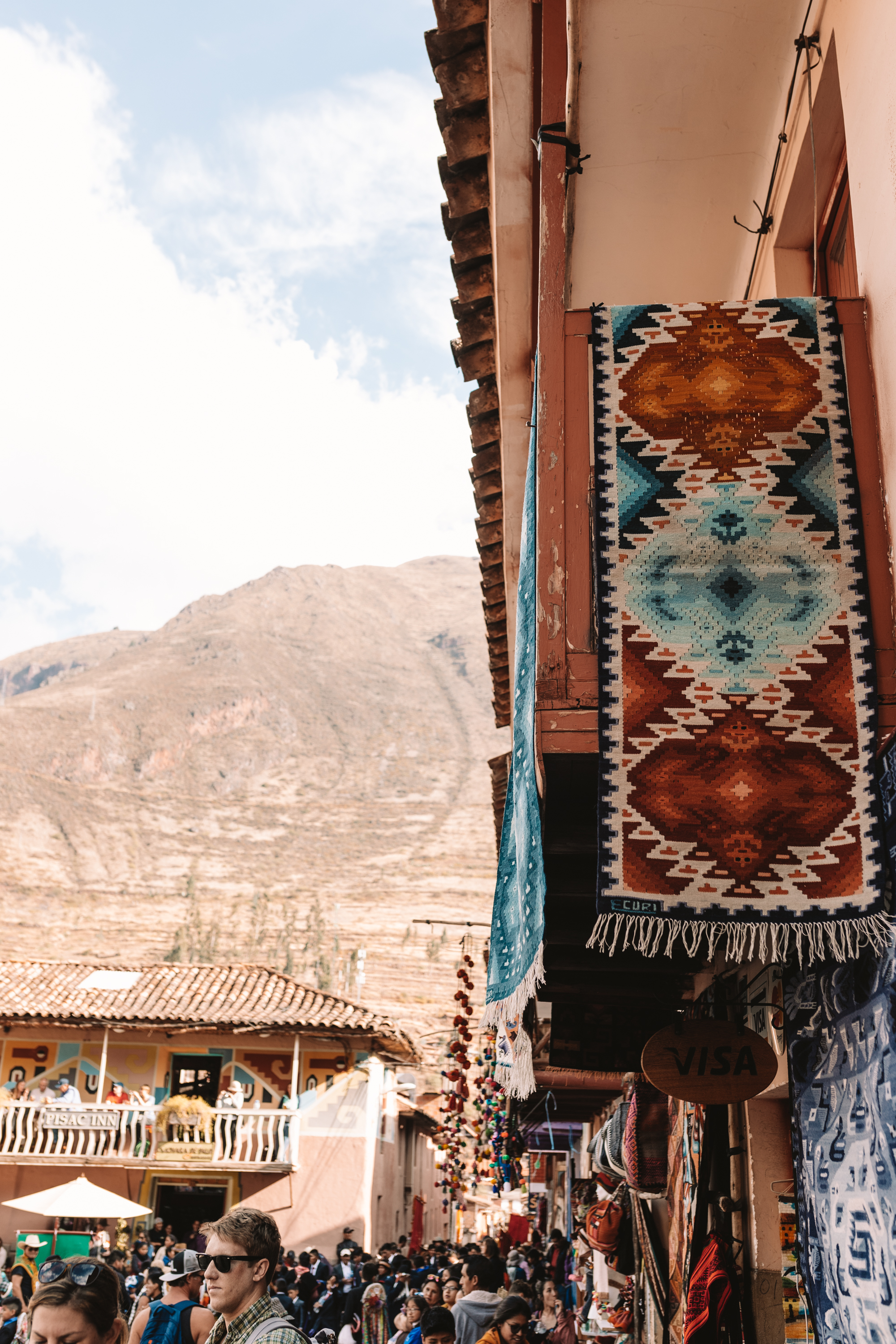the Pisac Market in Peru #travel #southamerica #peru