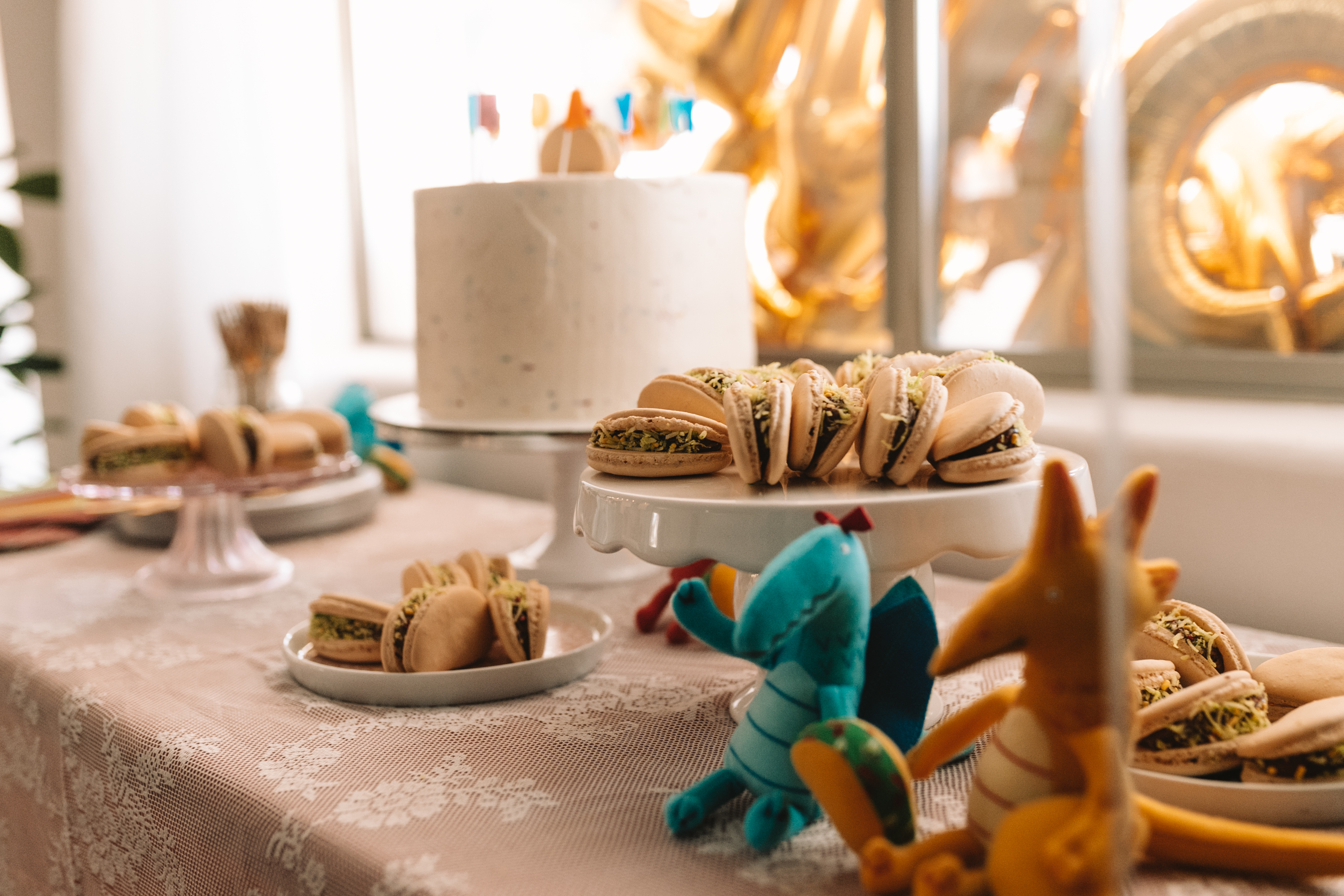 the cutest little taco macaroons for the desert table this kid's birthday party!