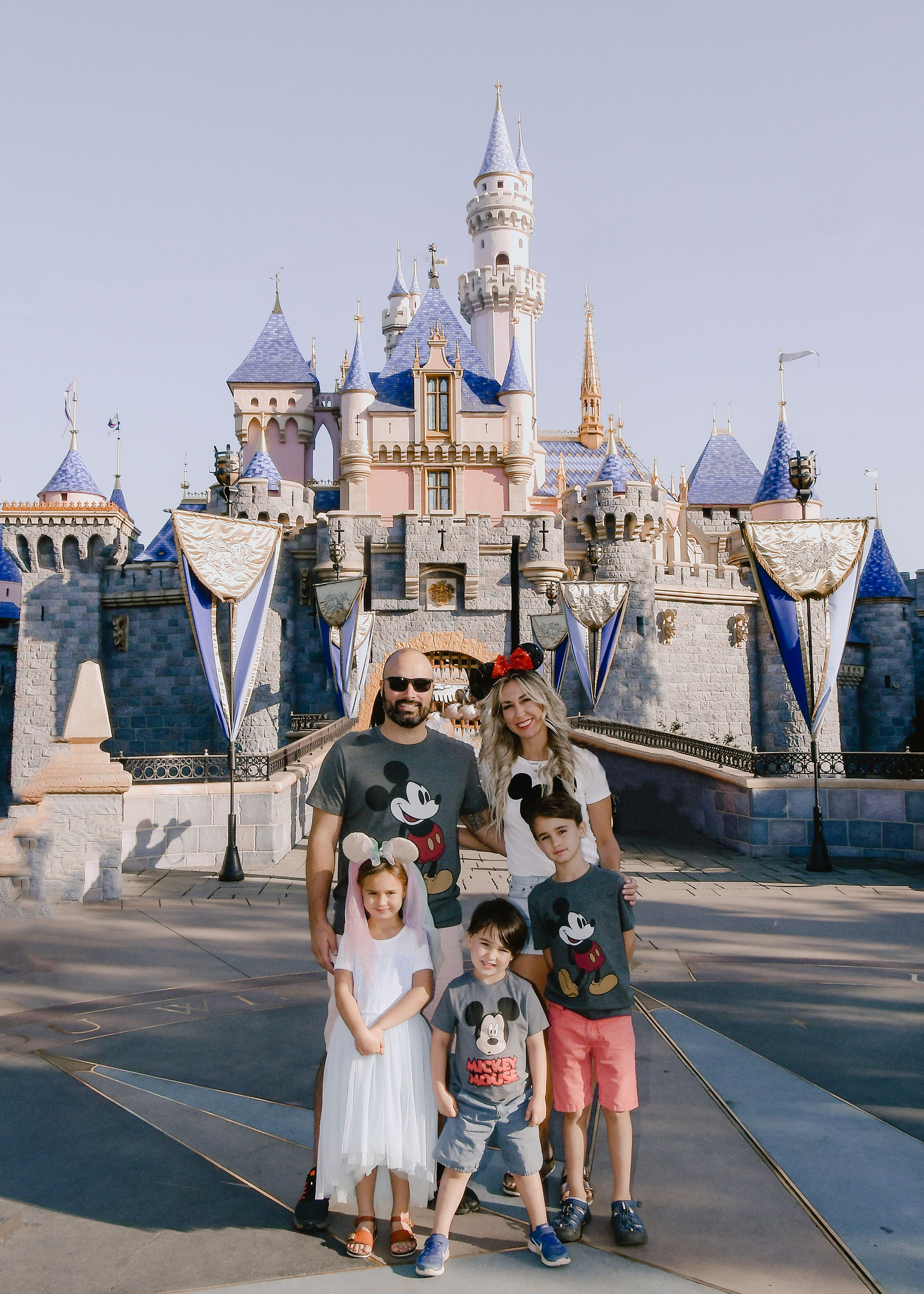 sharing updated disneyland tips on the blog! #disneyland #familytravel #travelwithkids