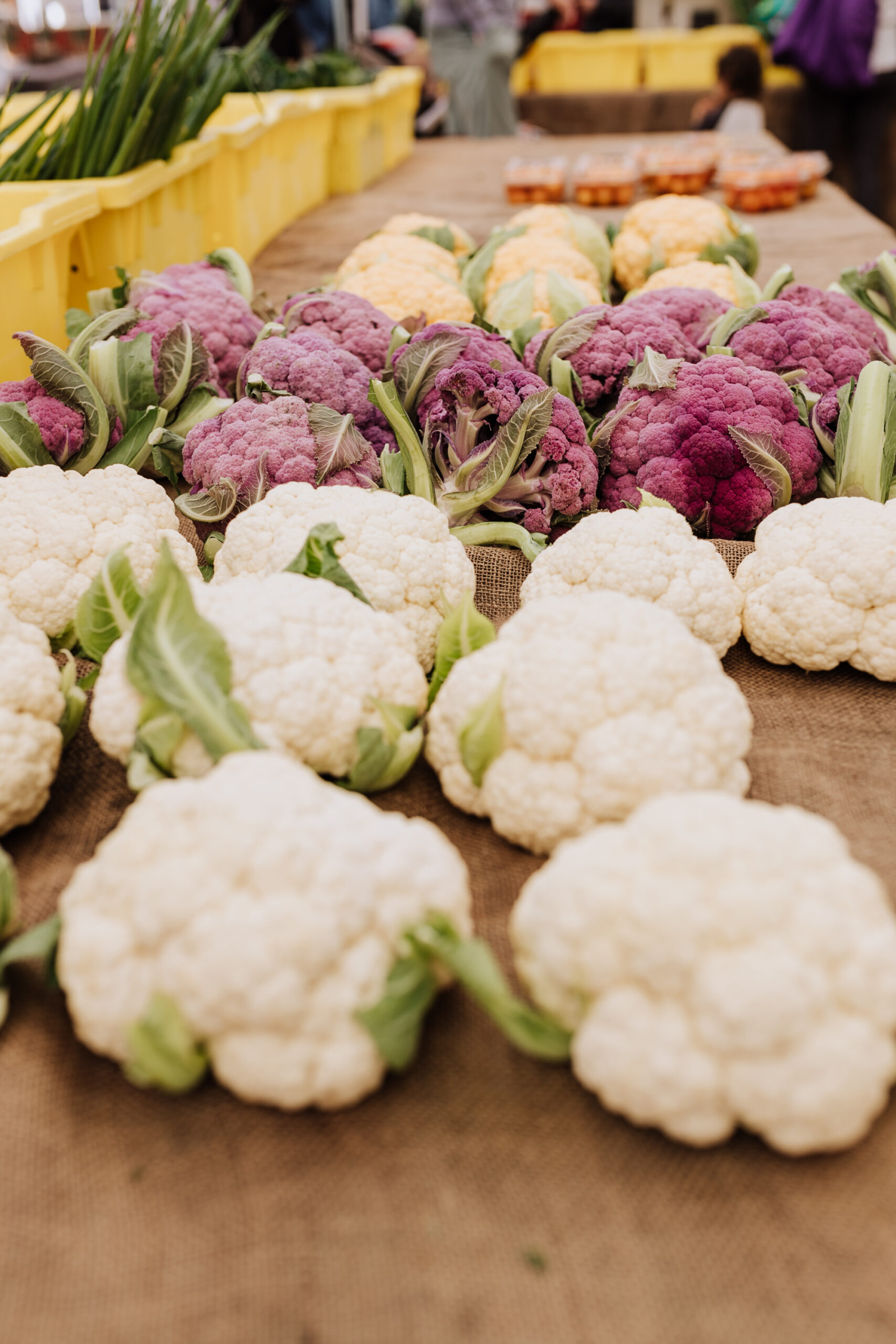 farmer's market fresh cauliflower in every color. #farmersmarket #healthyeating #vegetarian