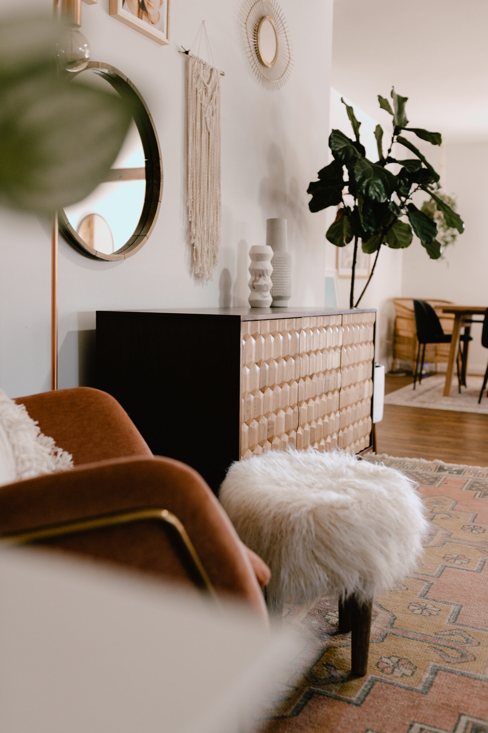 details from our updated awkward corner in our open-concept floor plan in a renovated older home. #thelovedesignedlife #theldlhome #sideboard #homedesign #beautifulspaces