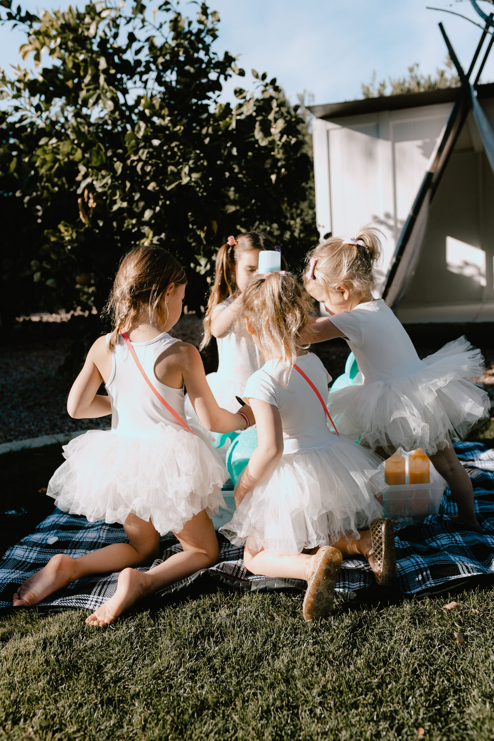 the cuteness overload with all the tutus at our valentine's playdate! #thelovedesignedlife #valentinesday #galentines