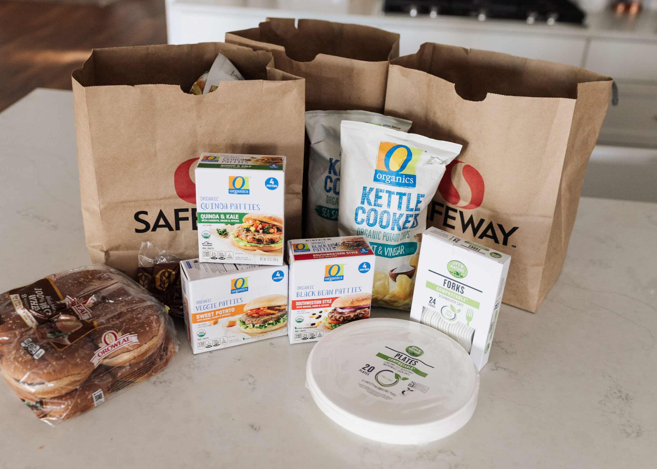 sharing our grocery haul from Safeway to make an easy plant based family dinner. #groveryhaul #safeway #plantbaseddinnerideas