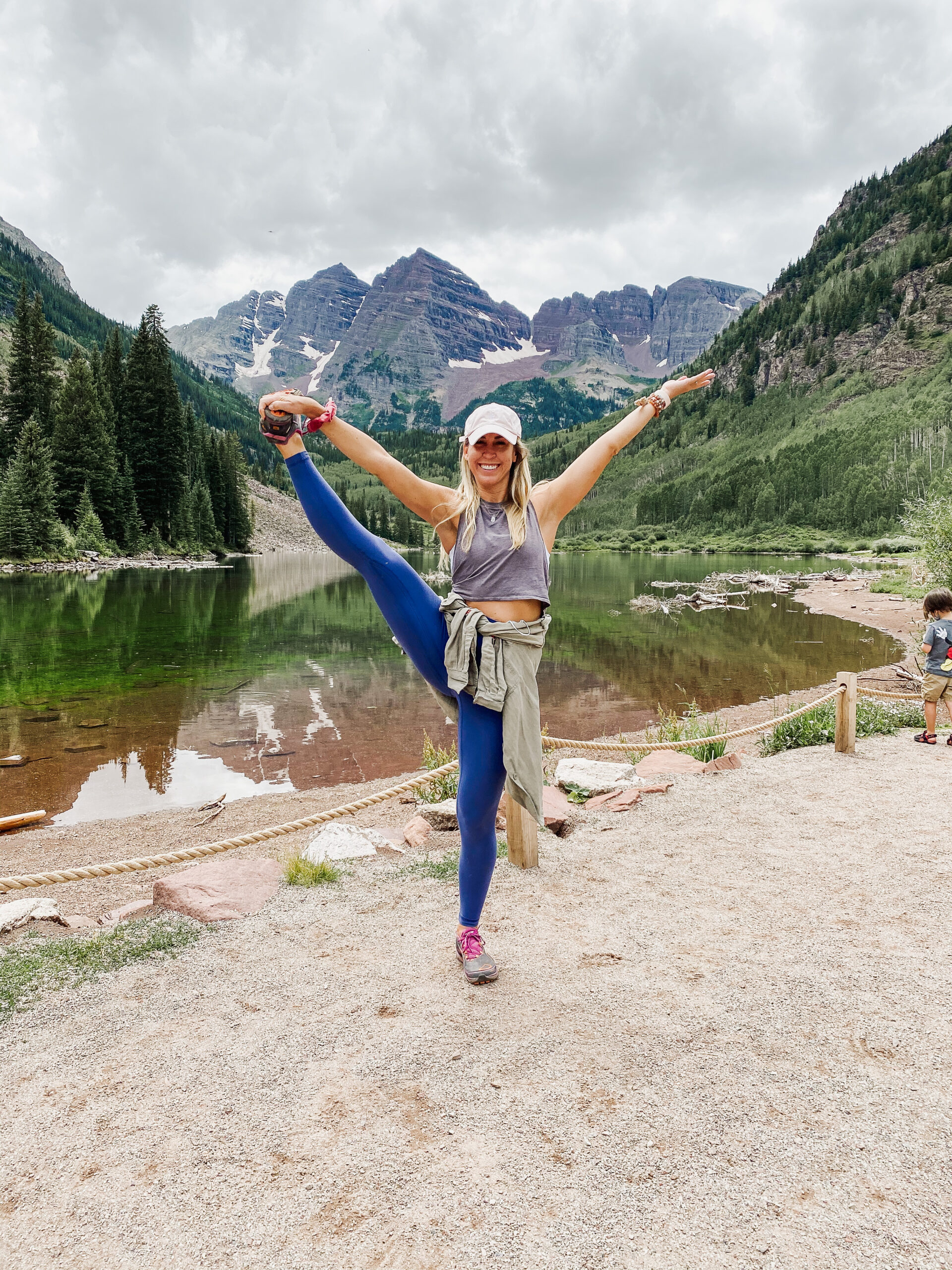 hiking and yoga in colorado on our summer road trip of 2020. #yoga #hiking #getoutside #travel