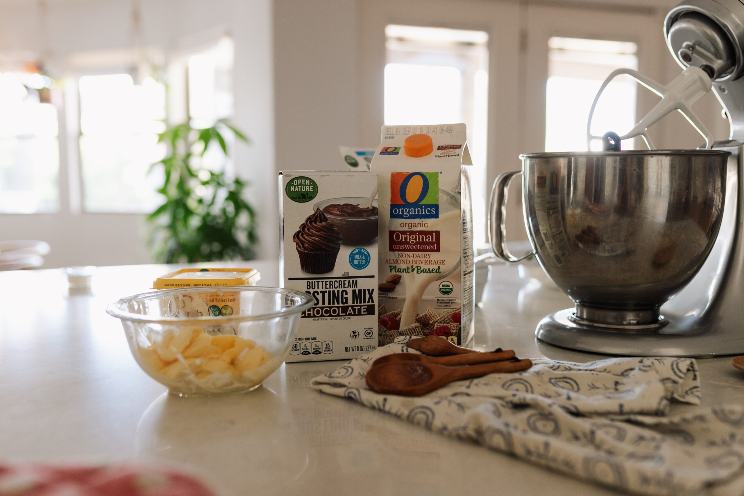 ready to make vegan buttercream chocolate frosting! #oorganics #safeway #vegan #veganbuttercream